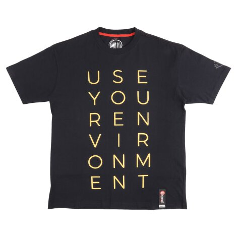 USE YOUR ENVIRONMENT T-Shirts black!